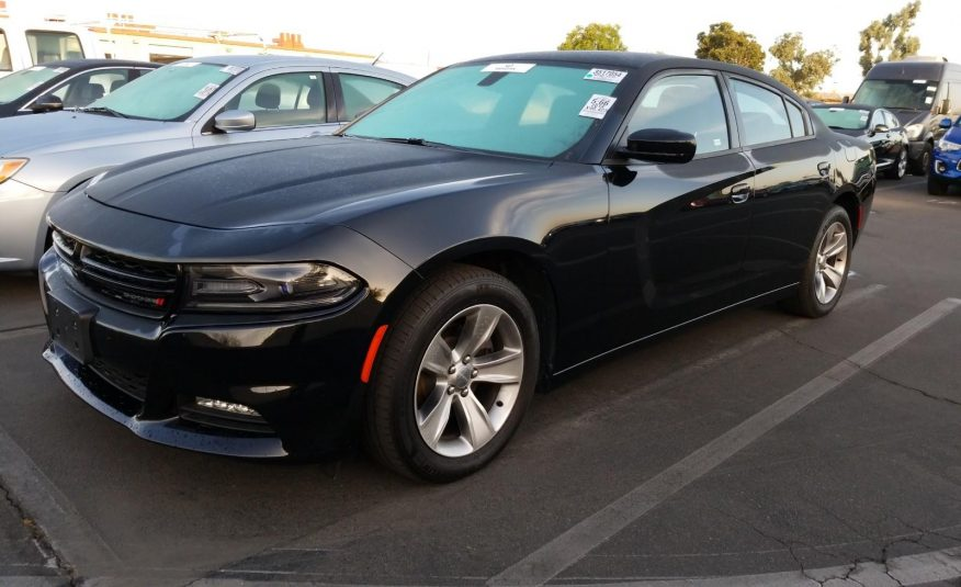 2018 Dodge CHARGER 4X2 V6 SXT PLUS